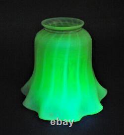 ANTIQUE VICTORIAN URANIUM Vaseline STRIPE RUFFLED Art Glass LAMP LIGHT SHADE VTG