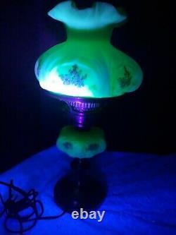Fenton Daisy Pattern Custard Uranium Lamp'70s 19 x 8 Handpainted and Signed