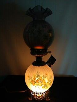 Fenton GWTW Lamp 1999 Violet Satin Signed D. Robinson Limited ed Hand Painted
