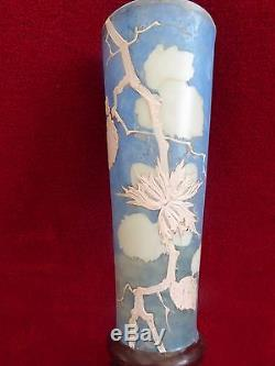 LARGE HAND PAINTED FRENCH OPALESCENT ART GLASS SWALLOW BIRD VASE c1890