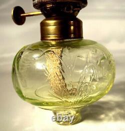 RARE Fenton Heartlights Green Vaseline Glass Swan Oil Lamp withChimney & Wick