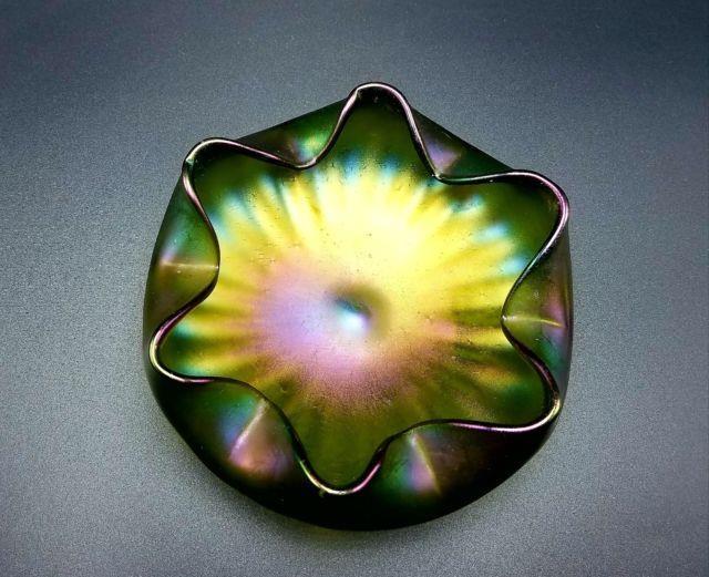 Stunning Loetz Or Tiffany Green Iridescent Crimped Art Glass Bowl, Victorian Era