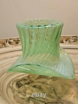 Vintage HTF Fenton Green Opalescent Spiral Optic Swirl Glass Large 4 Top Hat